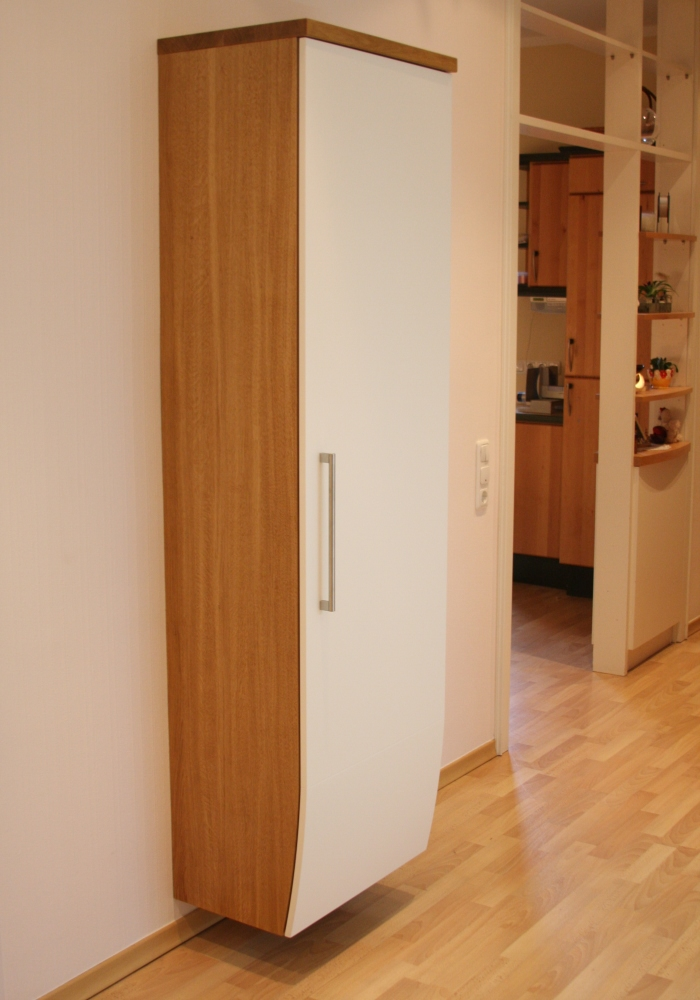 sichtschutz f r den au enbereich flurgarderobe mit spiegel und lichtsensoren. Black Bedroom Furniture Sets. Home Design Ideas